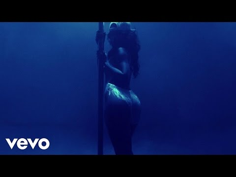 Rihanna  Pour It Up (Explicit) (новая 2013)